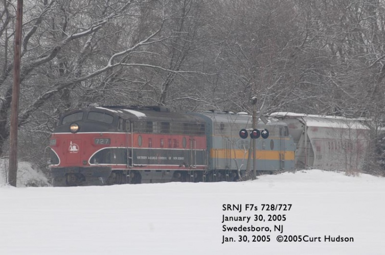 SRNJ operating between Swedesboro and Woodstown in 2005.  By Curt Hudson.