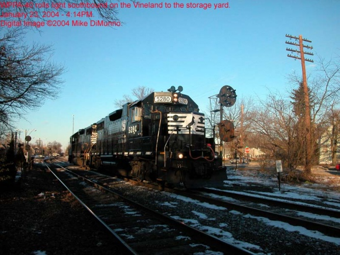 PA-40 reversing down the Vineland, towards the Woodbury storage yard.
